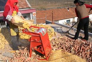 背负式玉米剥皮机,联合玉米剥皮机,河北邢台盛丰农机定做玉米剥皮机配件,来图,来样均可。